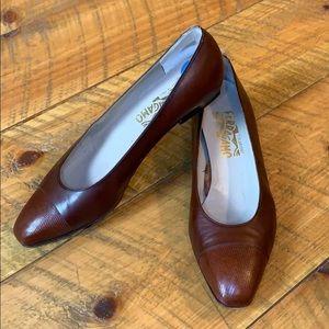 Salvatore Ferragamo brown leather pumps Size 9.5